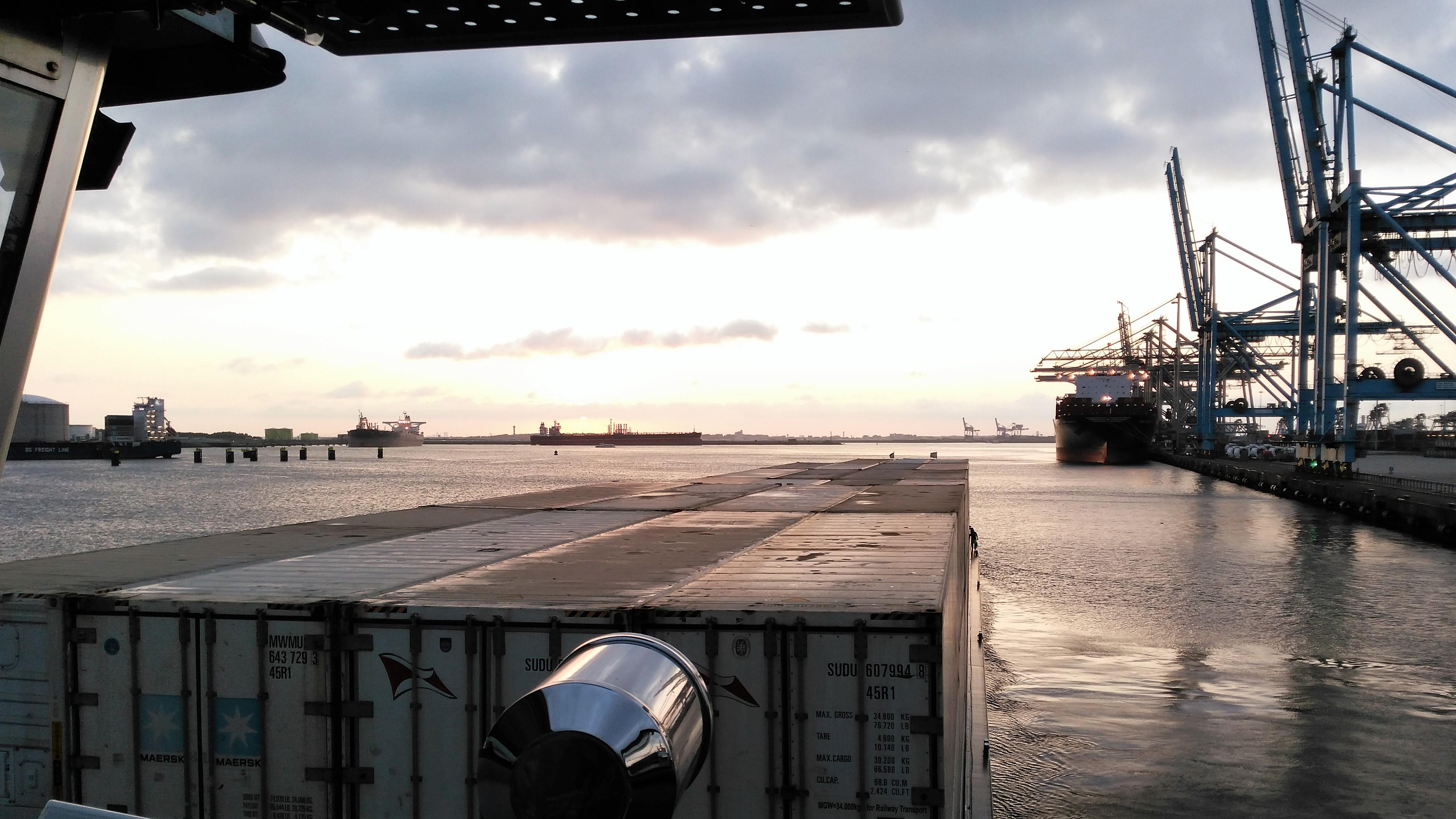 Uitvaren Europahaven.